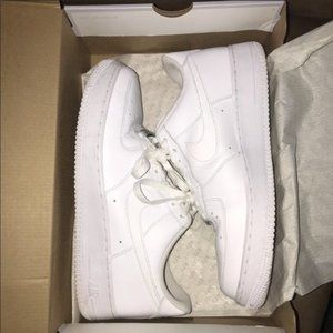 White Nike Air Force 1 '07